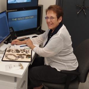 Gold Center Naples Staff - Deanna Potter Metals Trader